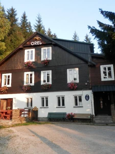 Cottage Orel im Sommer